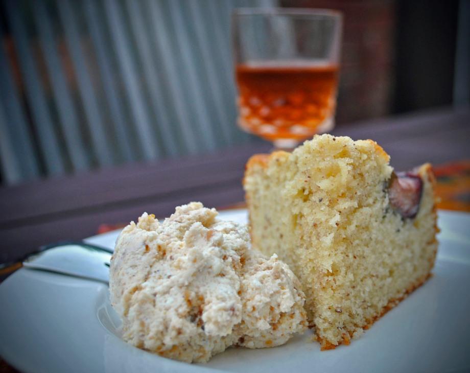 Fig and hazelnut cake with ricotta praline