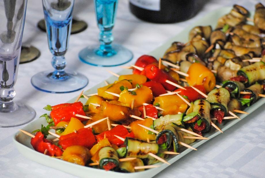 landscape platter veg rolls