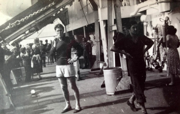 papa' in shorts station pier