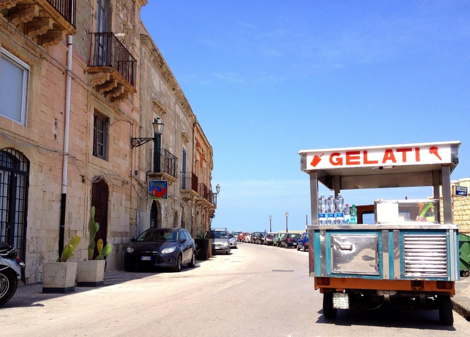 Gelati cart in Ortigia