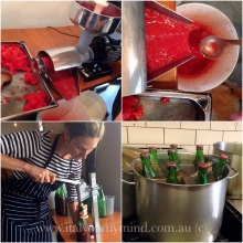making passata at bar Idda